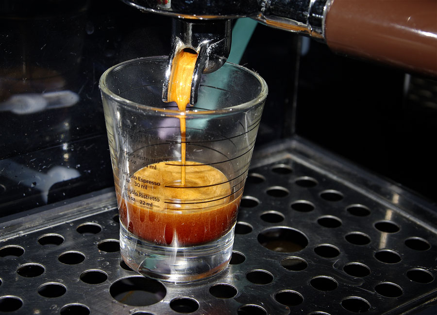 Amigos – Qualità Extra Bar csapolás 3