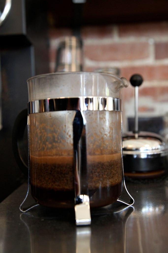 Kávékészítés French Press-sel
